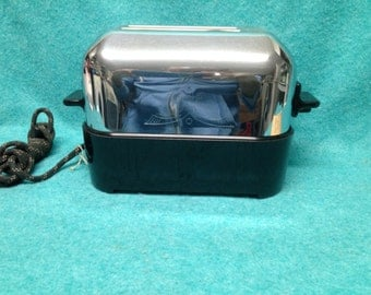 Art Deco Chrome and Bakelite Capital Products Toaster Model #555 in Sunbeam T20 Box