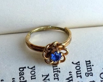 Vintage Ring, 70s Ring, Adjustable Ring, Blue Glass, Rhinestone, Goldtone, Vintage Jewelry, Costume Jewelry, Vintage 1970s, Sapphire Color
