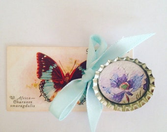 Handmade vintage florals bottle top brooch