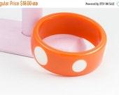 25% OFF STOREWIDE SALE Fun vintage tangerine orange and white polka dot plastic bangle bracelet - mid-century 1950s 1960s Halloween perfect
