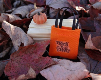 "Dollhouse Accessory Halloween Trick Or Treat Tote Bag 1"" Scale 1:12 Miniature"