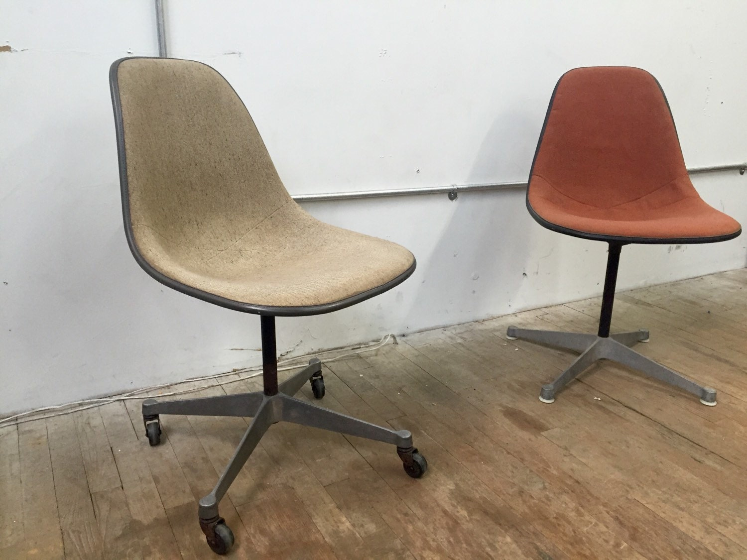Herman Miller Eames Fiberglass Side Shell Chairs With Girard
