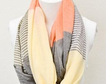 Myra - infinity scarf