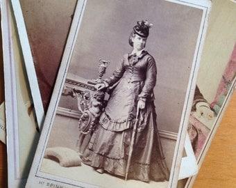 Vintage Photographs of Women - Fashion Hair style
