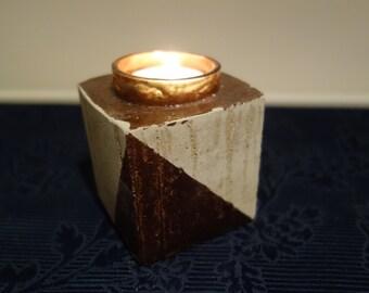 Tea light concrete with copper elements