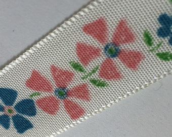 Vintage Trim - 50cm - pink and blue printed flowers