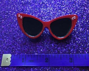 Red Retro Sunglasses brooch