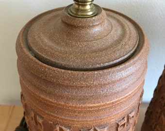 Bob Kinzie earthenware lamps studio pottery textured table lamps Affiliated Craftsmen ceramic lamps vintage collectible lamps Costa Mesa CA