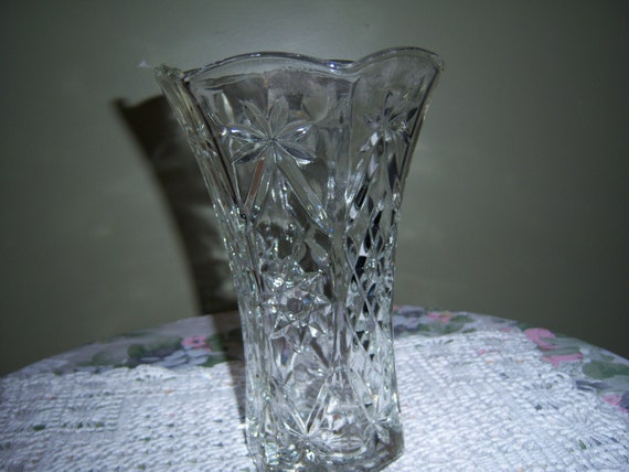 Vintage eapg vase star of david heavy cut glass centerpiece