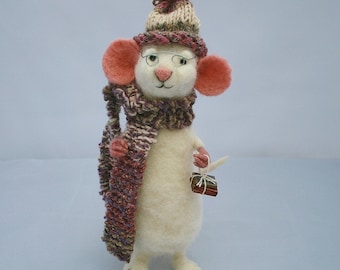 Felt mouse wool sculpture - poseable felted mouse - needle felted animal - Mouse nursery decor
