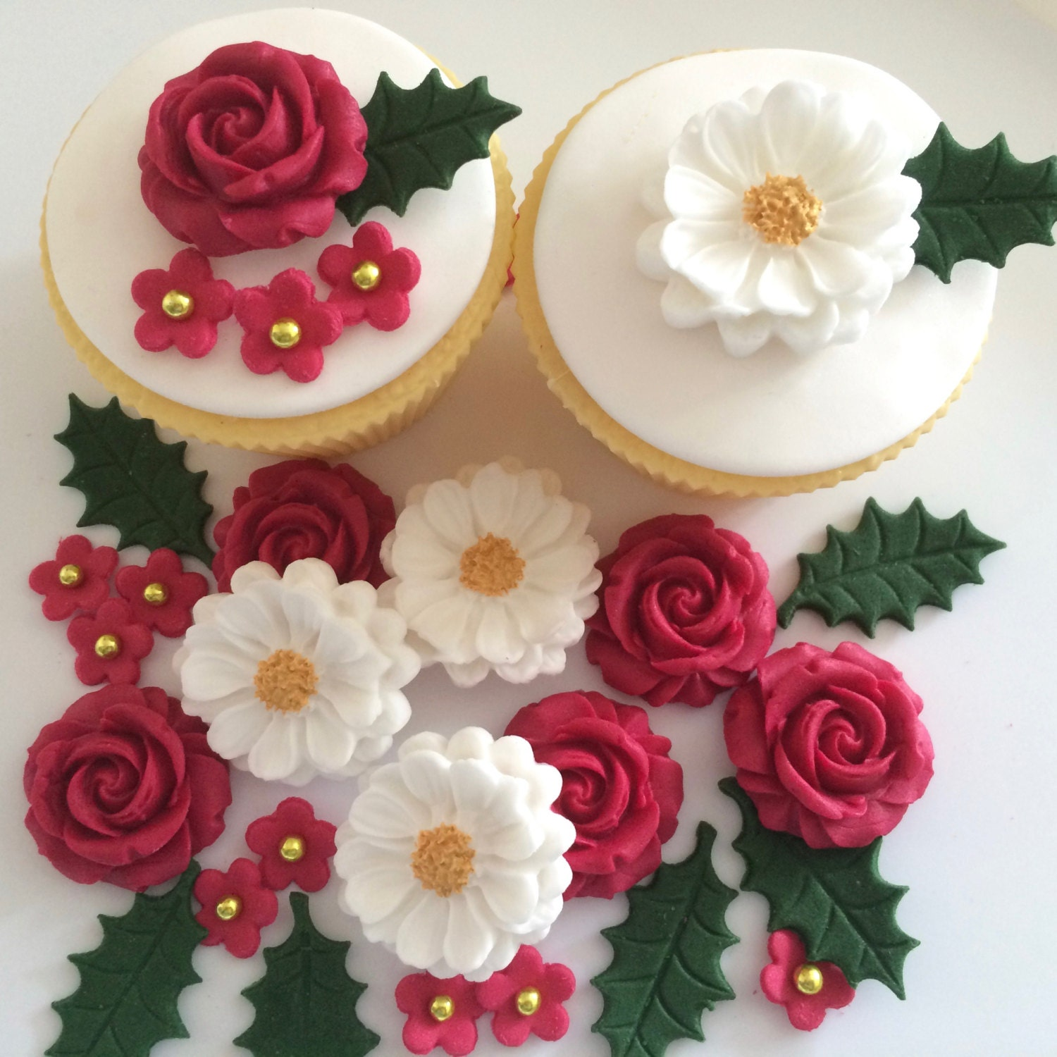 Etsy Christmas Cake Decorations : CHRISTMAS BOUQUET edible sugar paste flowers cake ...