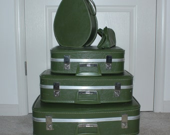 CLEARANCE Vintage green luggage set, suitcase, travel accessories (LOCAL PICKUP)