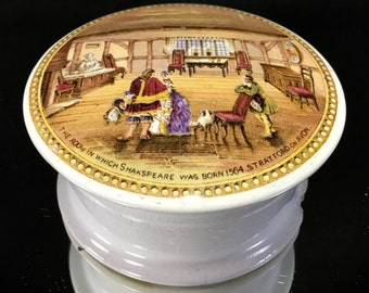 PRATTWARE Covered Box With Lid Shakespeare Birthplace Stratford Circa 1870