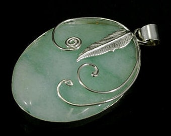 Chalcedon in 925 sterling silver pendant  --  3783