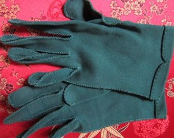 1950s Vintage Gloves/ Hunter Green/ XS size/ Crescendo Brand/ SALE