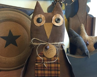 Primitive owl shelf sitter
