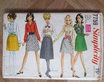 Vintage skirt and blouse pattern - UNCUT