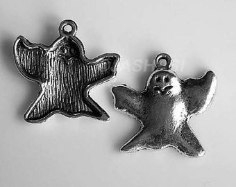 10 Ghost Spectre Apparition Tibetan Silver Charms (080)
