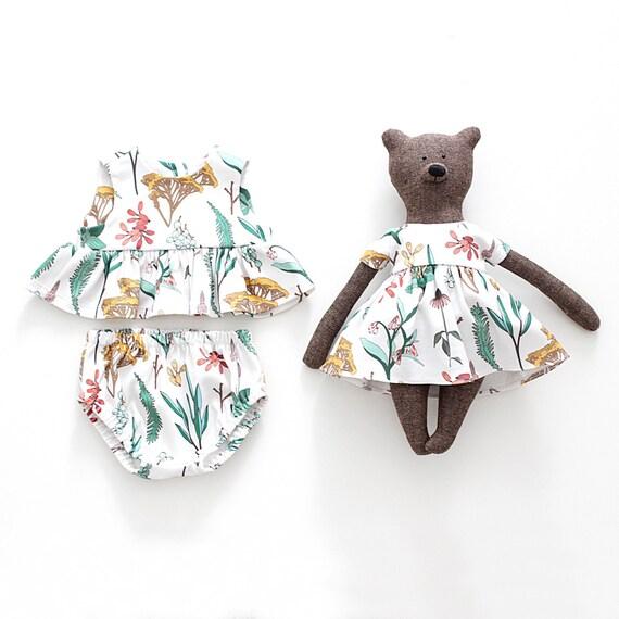 Jouet ours et bébé fille Top + culotte bouffante en coton biologique mis en impression à base de plantes assortis