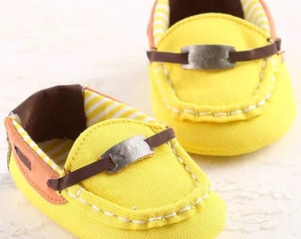 Yellow loafers 6-12 months
