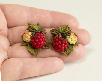 Raspberry Earrings. Nature jewelry. Red berry earrings. Polymer clay jewelry. Fruit earrings. Berries Jewelry. Botanical jewelry Woodland