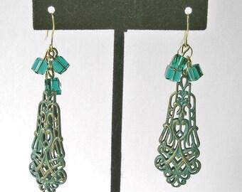 Elegant Dangle Earrings w Exotic Oriental Flair