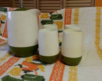 Thermos - King Seeley Brand Green/white Pitcher with 4 Matching Cups