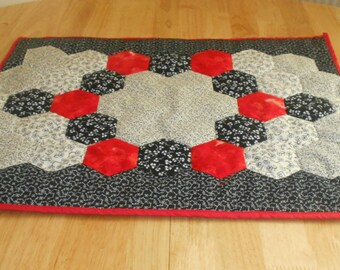 Small table topper-Small table runner-Mono table runner-Hand pieced runner-Mono and red decor