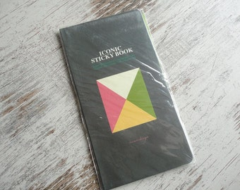 "Iconic sticky book ""je vais être votre ami"""
