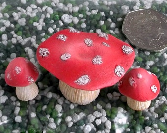 Fairy Garden Furniture | Miniature Toadstool Table | Fairy Garden Accessories | Fairy Toadstool Table