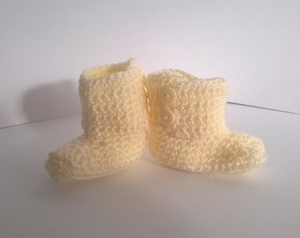 SALE 20% OFF original price. 0-3months, Cream crochet ugg style baby booties. cyber monday, black friday