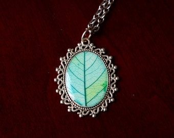 Leaf Necklace, botanical jewelry, nature jewelry, resin pendant, gift for her, unique necklace, mountain jewelry, pressed leaf necklace