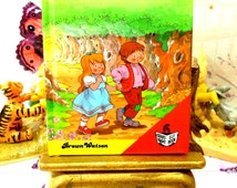 Hansel and Gretel Vintage Childrens Bedtime Story Book Hardcover Easy to Read Book 1990 Pocket Size