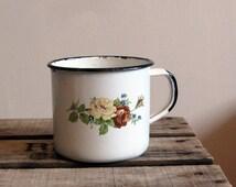 Vintage tin enamel mug with floral design, retro metal handled mug or pot. Large coffee cup, vintage enamelware, retro gift for everybody.
