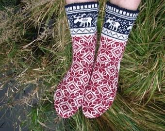 Christmas socks knit socks Wool socks. red socks. Norwegian socks. knitted socks. gift to man. gift to a woman. men's socks. Women's socks