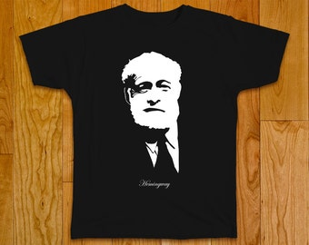 Ernest Hemingway T-shirt, author and journalist