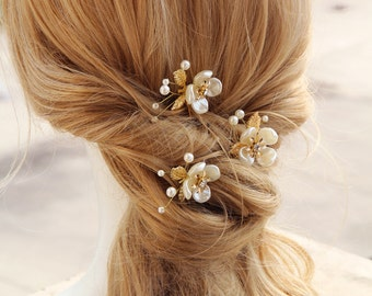 pearl flower with gold leaves hair pin, wedding hair accessories,wedding bride hair pins