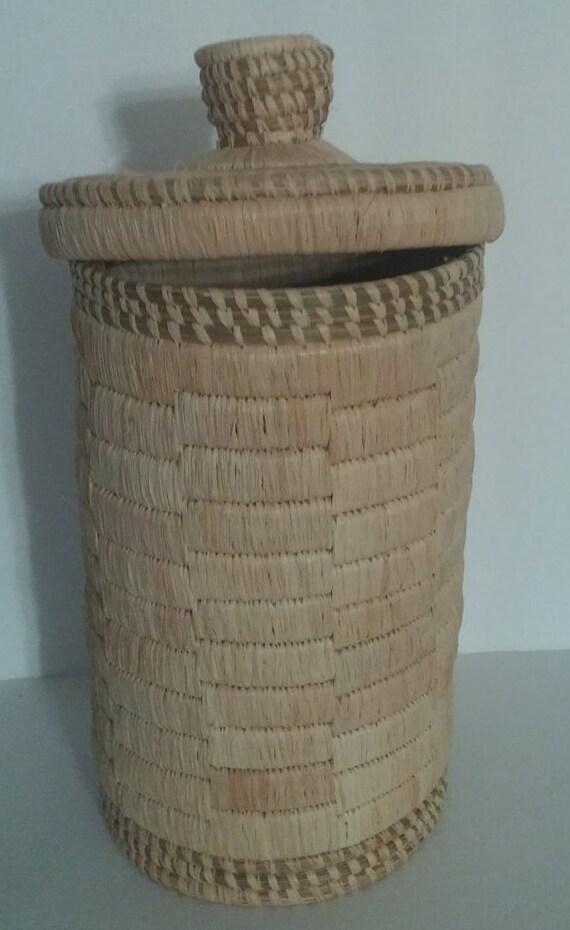 african basket vase lid cathedral hand made sisal and sweet. Black Bedroom Furniture Sets. Home Design Ideas