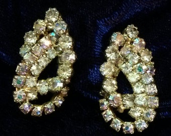 SALE!! Stunning Vintage Rhinestone Clip Earrings (was 10.00)