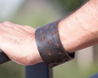 Mens Leather Bracelet with unique Design, Chocolate Colour