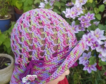 Summer hat cloche for a girl