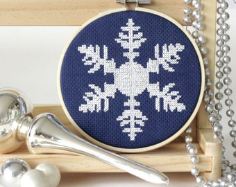 Snowflake Cross Stitch Pattern Christmas DIY Ornament Cross Stitch Chart Holiday DIY Christmas Festive Craft Instant Download Ornament DIY