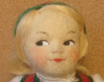 """Vintage Ronnaug Petterssen doll - 7-1/2"""" tall"""