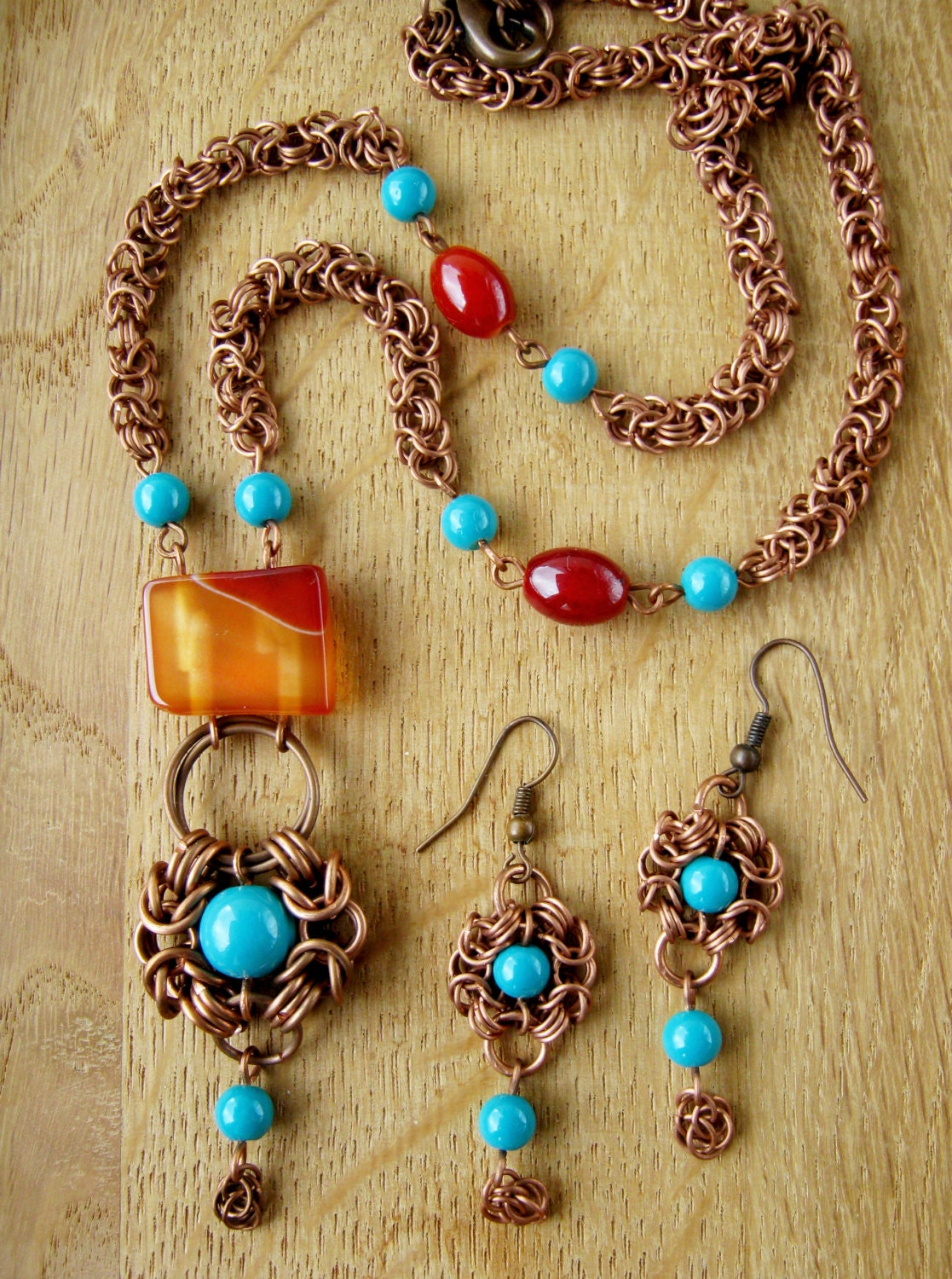 Handmade bohemian style jewelry. Copper necklace and earrings