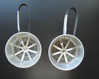 Pair of Aluminum Sifters