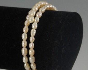 Seed pearl bracelet, memory wire, 3 loops
