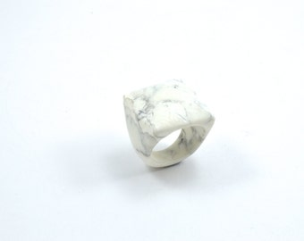 Size 10.5 Howlite Ring