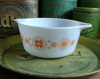 Vintage Pyrex 474 | Town and Country 474 | Pyrex T&C  474| Pyrex Town and Country 474 | Cinderella Round Casserole 474