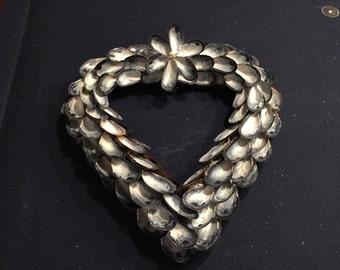 Large Heart Mussel Shell Wreath