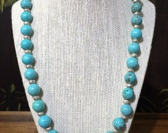 22'' Silver And Turquoise Necklace.